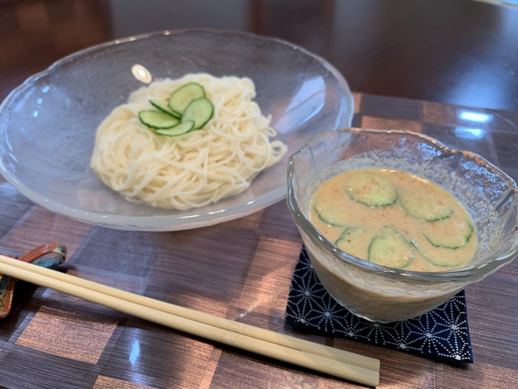 ヤクルト商品を使ったレシピのご紹介~豆乳ごま味噌つゆ~